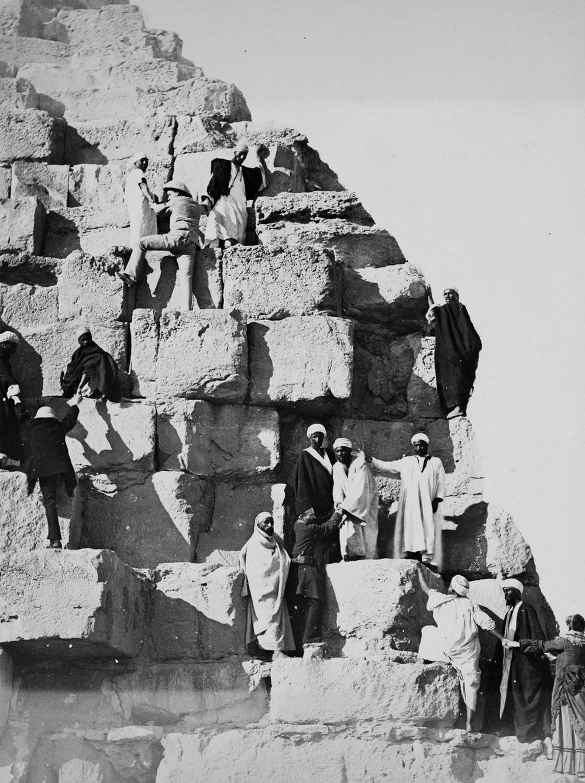 Ретро фотографии туристов на пирамидах Гизы  10