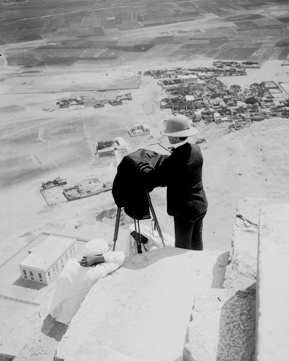 Ретро фотографии туристов на пирамидах Гизы  18