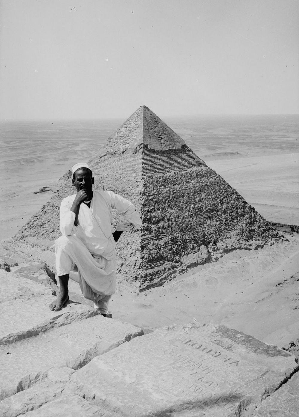 Ретро фотографии туристов на пирамидах Гизы  19