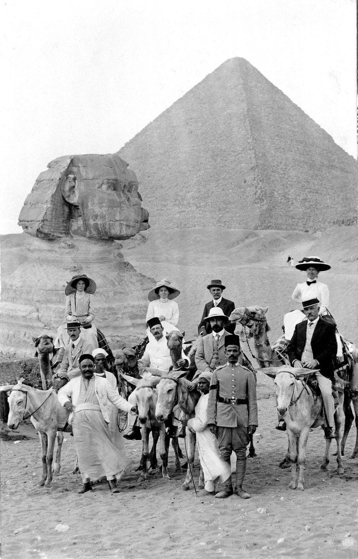 Ретро фотографии туристов на пирамидах Гизы  3