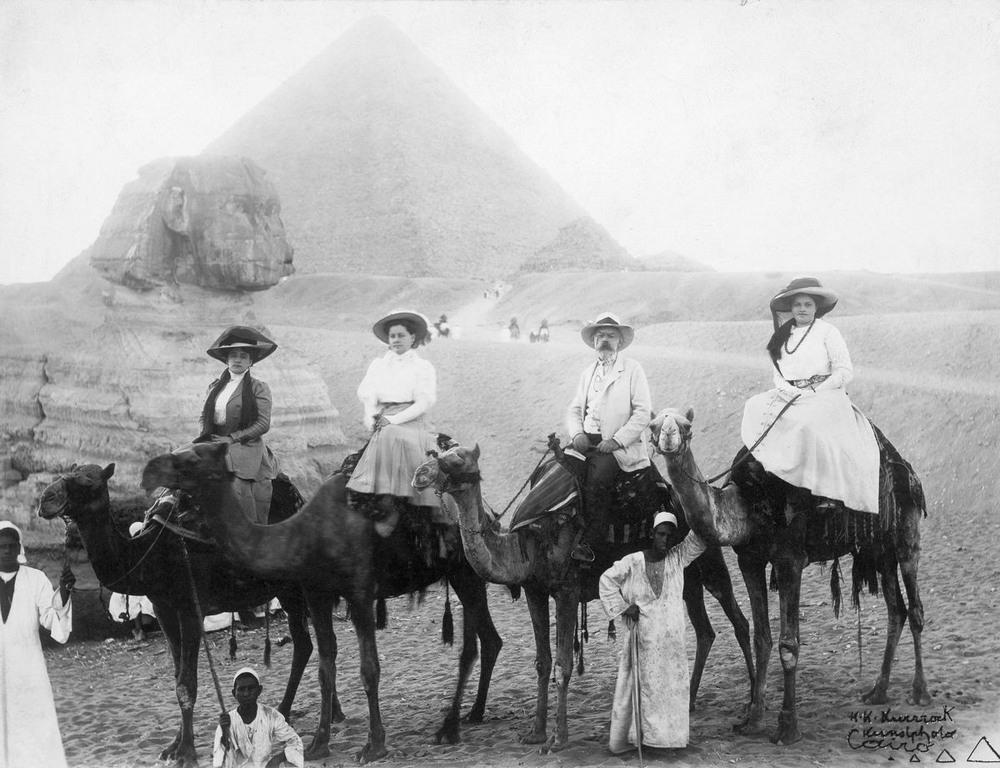 Ретро фотографии туристов на пирамидах Гизы  4