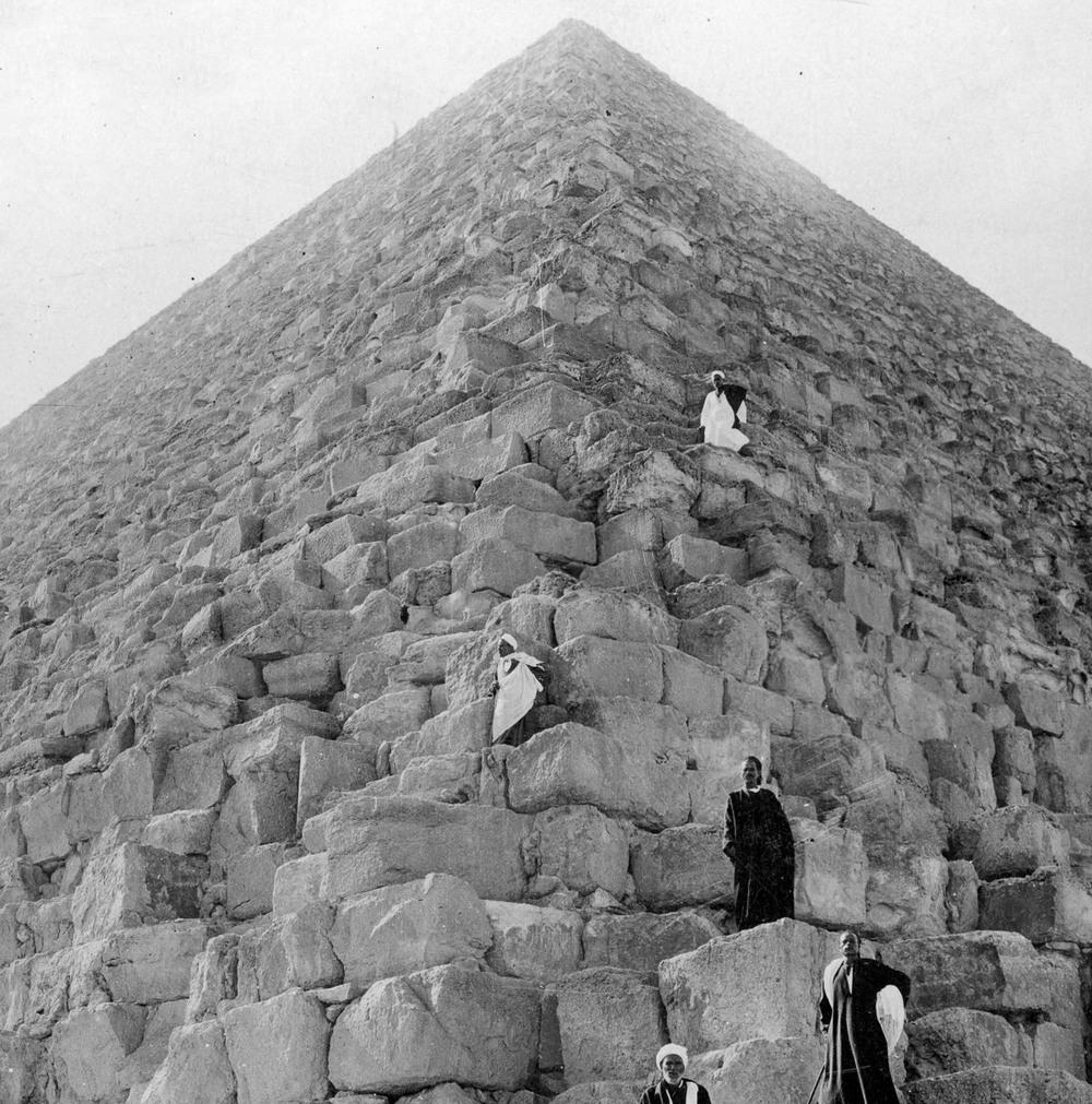 Ретро фотографии туристов на пирамидах Гизы  6