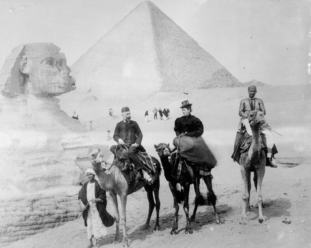 Ретро фотографии туристов на пирамидах Гизы  8