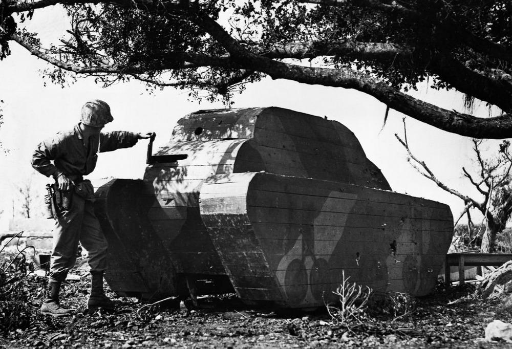 Резиновые танки: как хитрили на войне с не очень тяжёлой техникой. Фотографии 1918-1954 годов 15