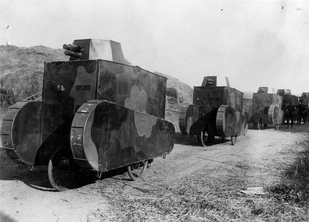 Резиновые танки: как хитрили на войне с не очень тяжёлой техникой. Фотографии 1918-1954 годов 4