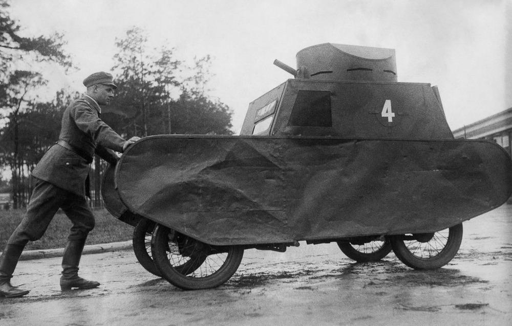 Резиновые танки: как хитрили на войне с не очень тяжёлой техникой. Фотографии 1918-1954 годов 6