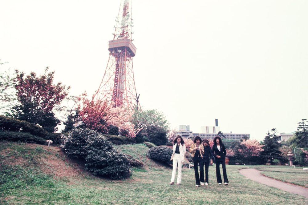 Как «Led Zeppelin», «Queen», Дэвид Боуи и другие рок-звёзды ездили по Японии в 1970-80-х годах 7