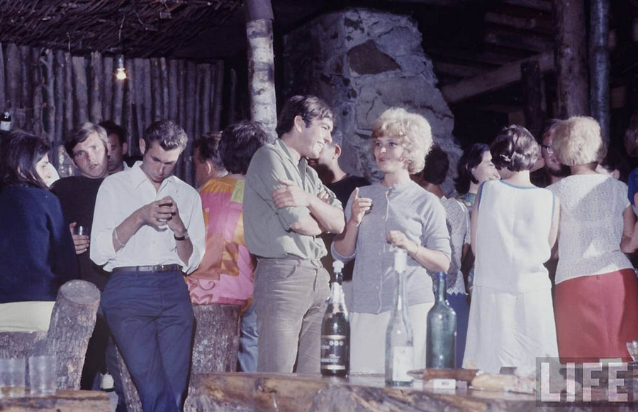 Как жила советская молодёжь в 1967 году. Снимал американский фотограф Билл Эппридж  20
