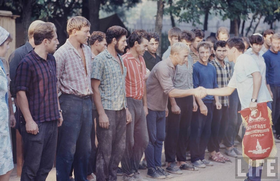 Как жила советская молодёжь в 1967 году. Снимал американский фотограф Билл Эппридж  9