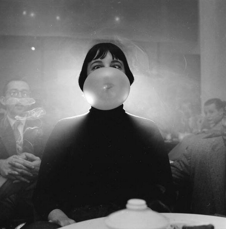 Женщина в ночном клубе, 1940.