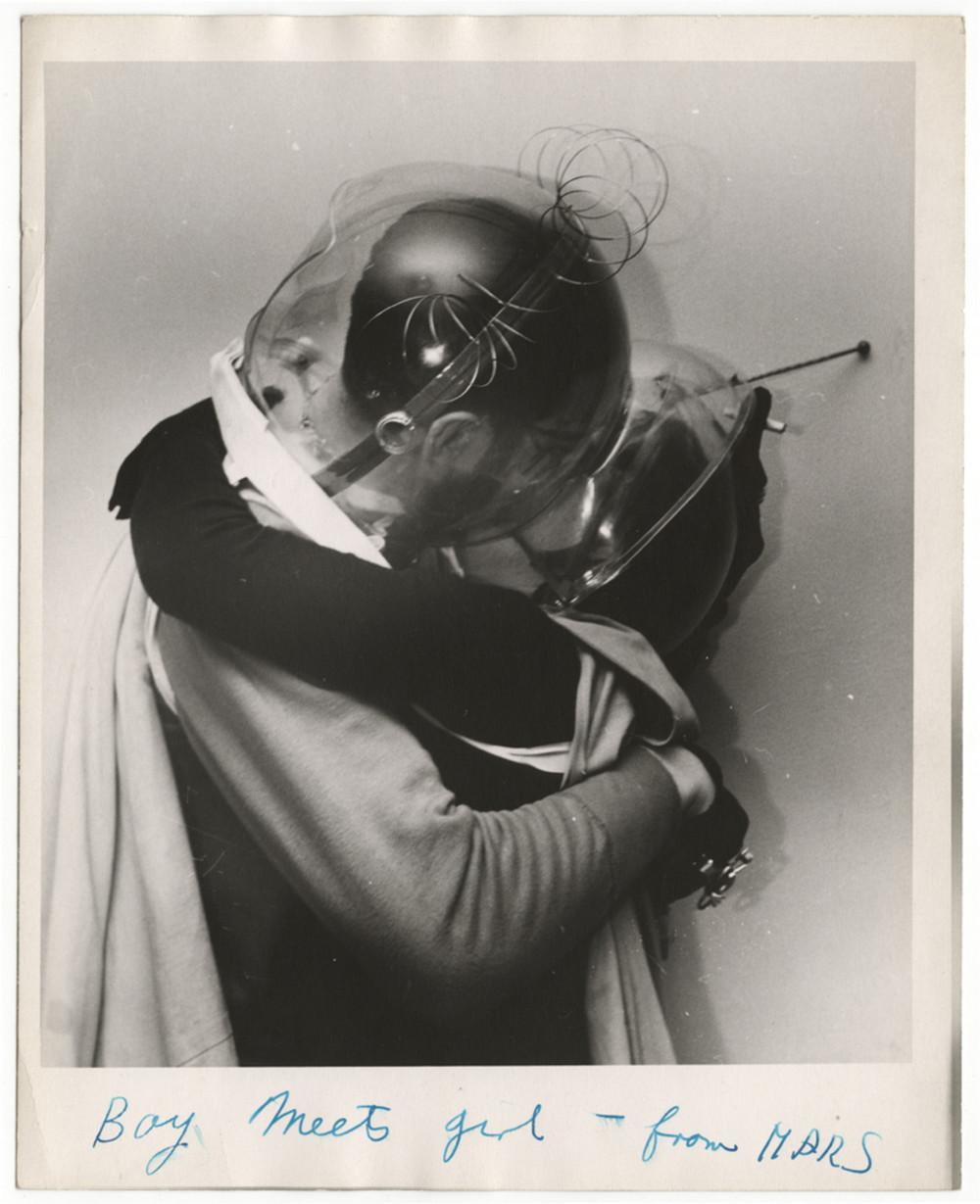 Парень встречает девушку с Марса, Калифорния, 1955