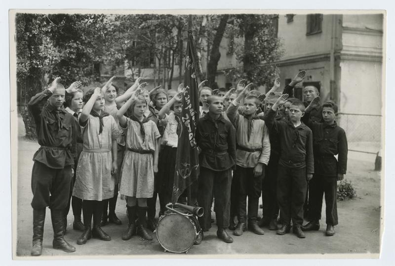Советская Россия в первые годы своего существования – 94 фотографии 88