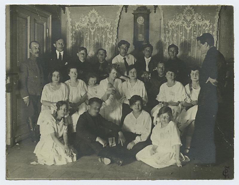 Советская Россия в первые годы своего существования – 94 фотографии 94