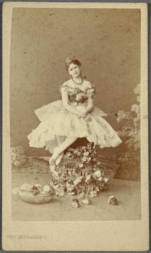 19-й век: балерины и монархи в фотографиях Карла Бергамаско  10