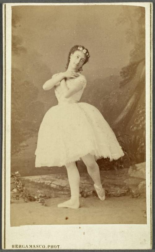 19-й век: балерины и монархи в фотографиях Карла Бергамаско  12