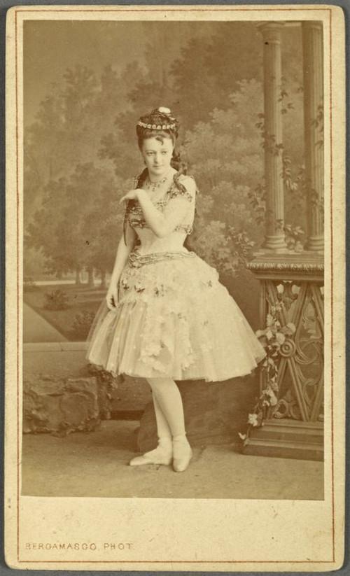 19-й век: балерины и монархи в фотографиях Карла Бергамаско  19