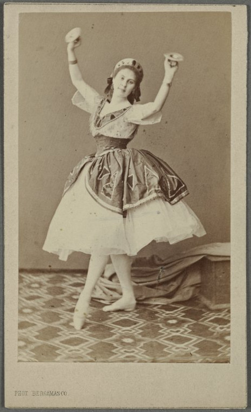 19-й век: балерины и монархи в фотографиях Карла Бергамаско  2