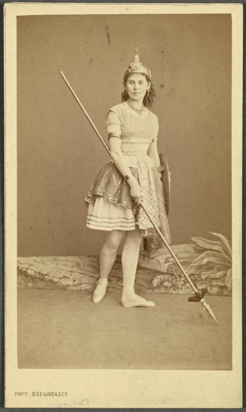 19-й век: балерины и монархи в фотографиях Карла Бергамаско  6