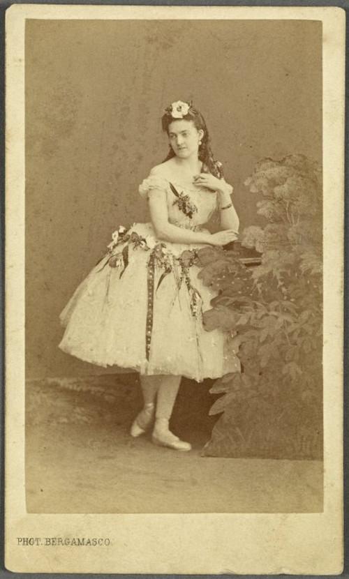 19-й век: балерины и монархи в фотографиях Карла Бергамаско  8