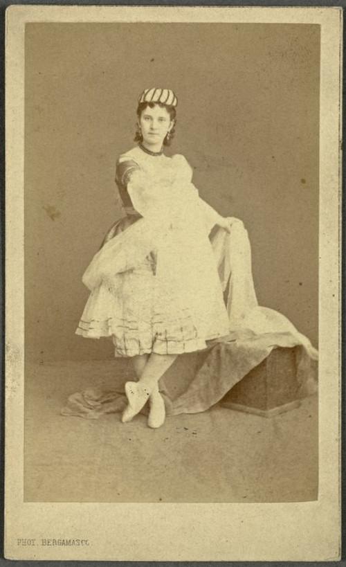 19-й век: балерины и монархи в фотографиях Карла Бергамаско  9
