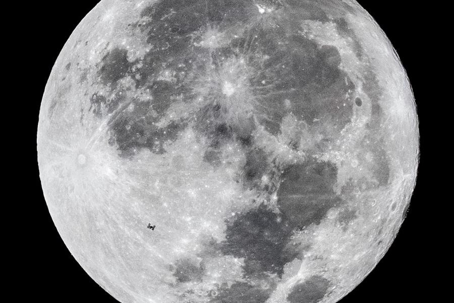 ПроÑождение МКС на фоне полной бобровой луны 2
