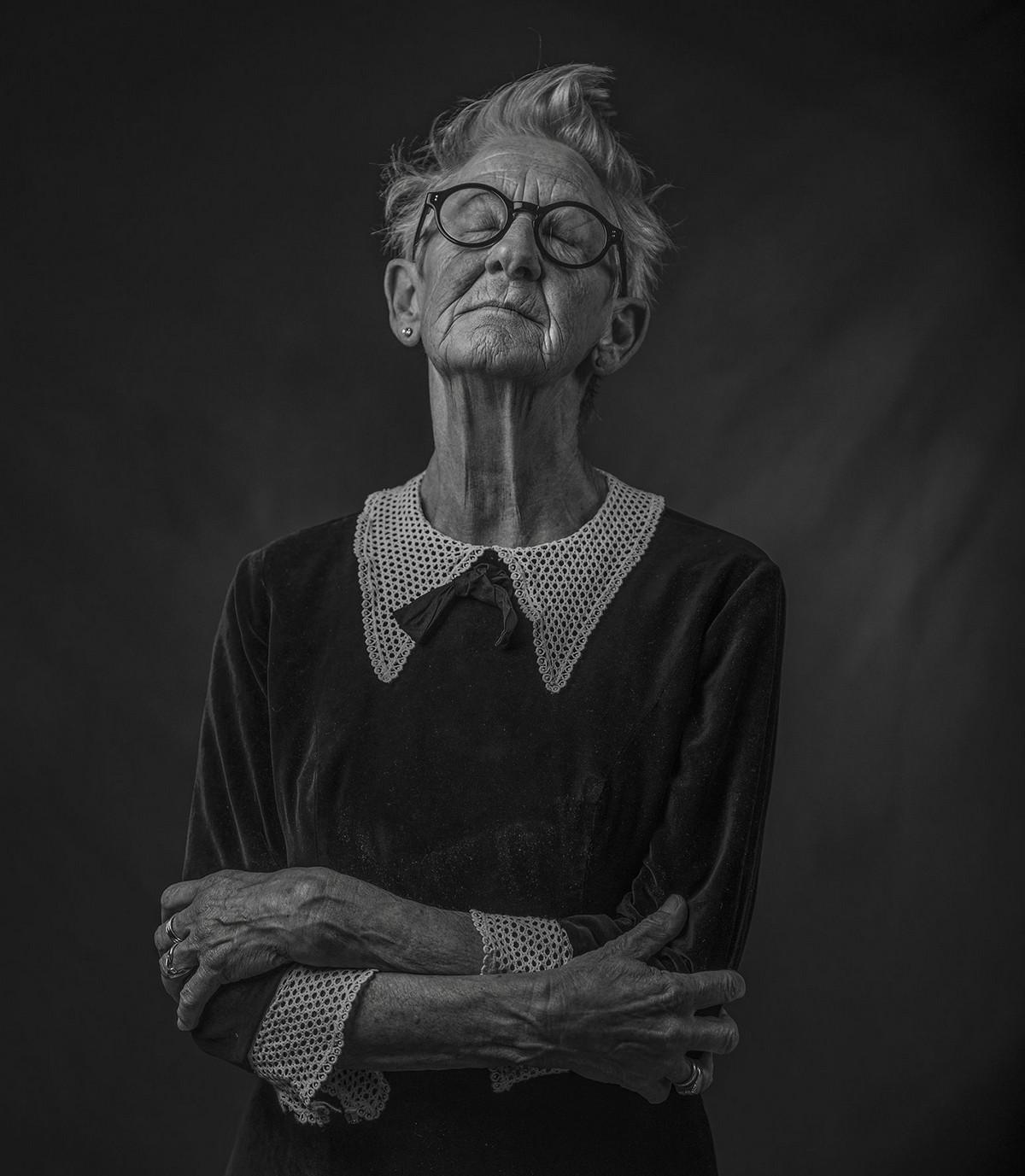 Победители фотоконкурса Siena International Photo Awards 2017 в категории «Обворожительные лица» 12