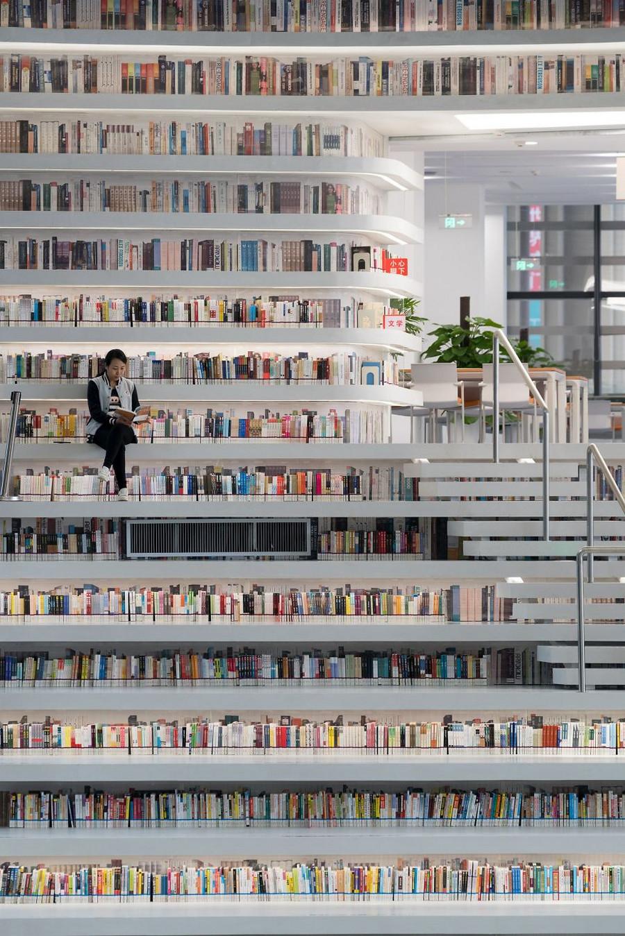 В Китае открылась крутейшая в мире библиотека с 1,2 миллионами книг 4