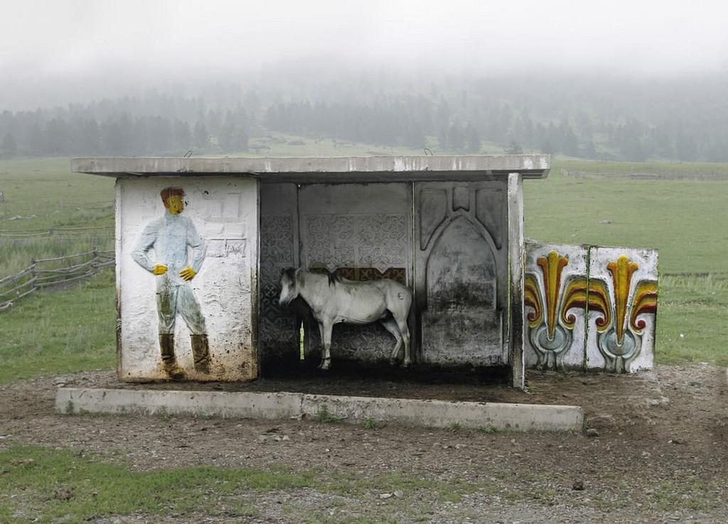 Советские автобусные остановки в фотографиях Кристофера Хервига 17