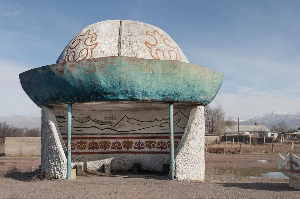 Советские автобусные остановки в фотографиях Кристофера Хервига 22