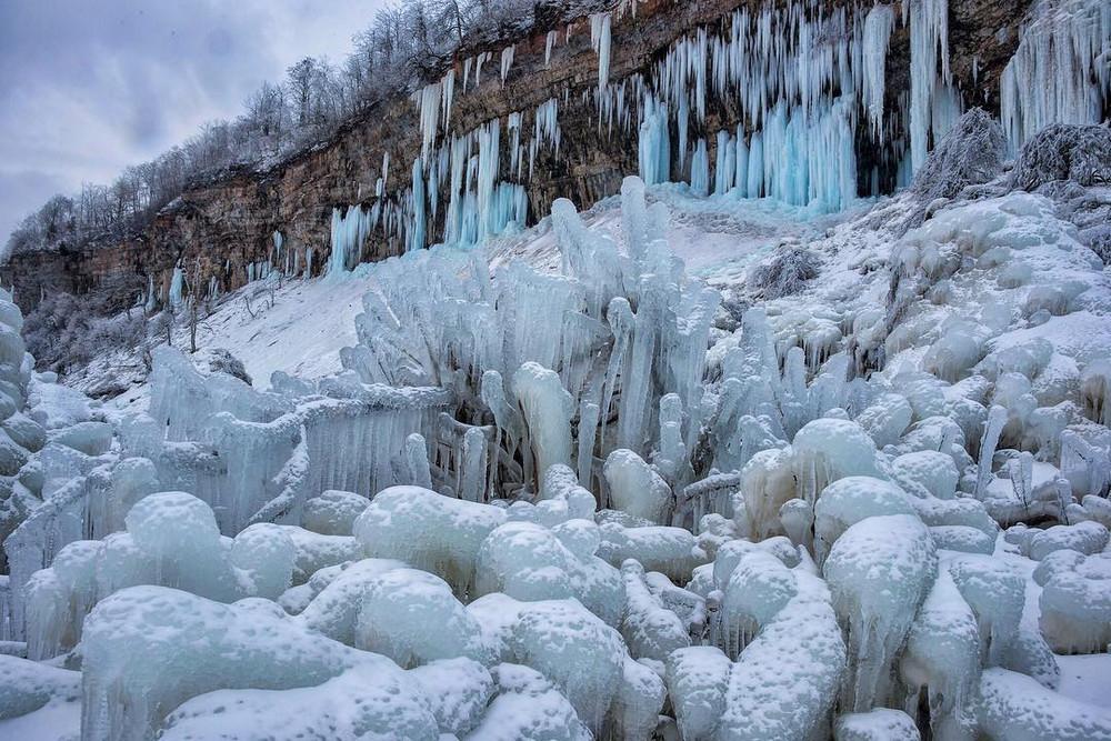 zamerzshiy Niagarskiy vodopad 11