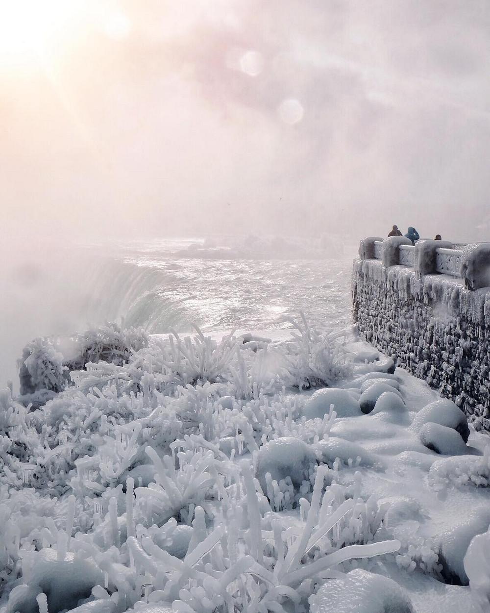 zamerzshiy Niagarskiy vodopad 2