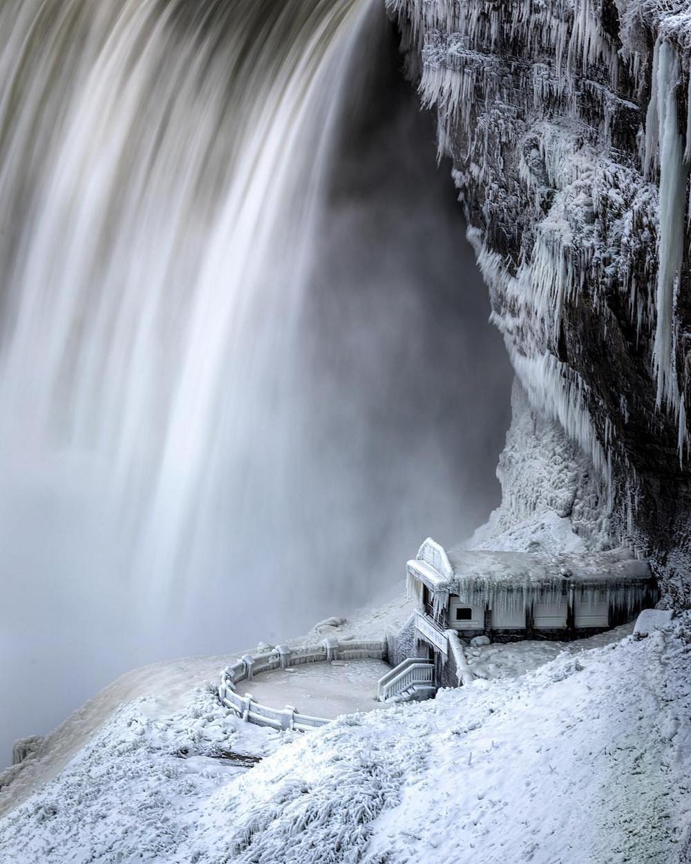 zamerzshiy Niagarskiy vodopad 7 loverme