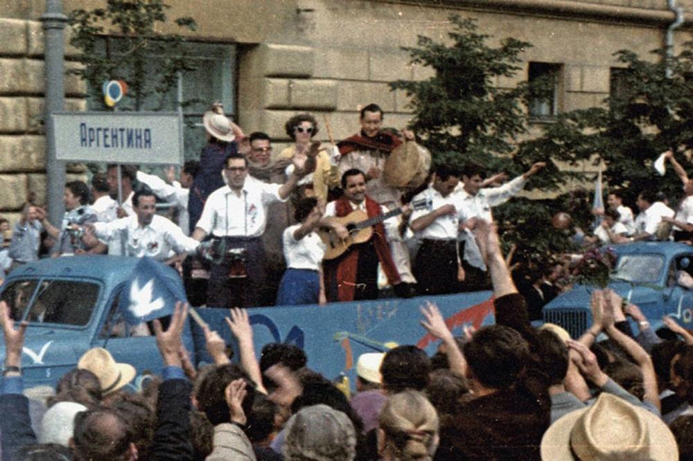festival molodezhi studentov Moskva 1957.jpg 19