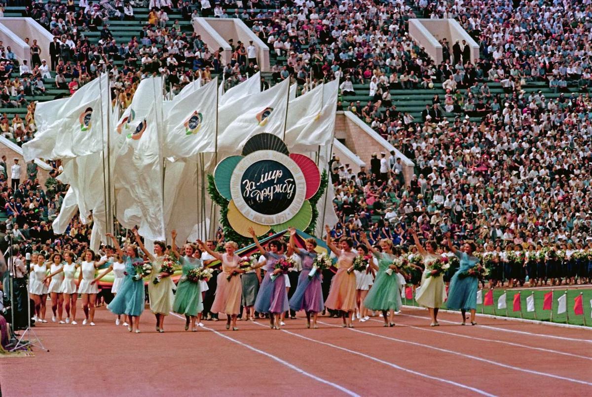 festival molodezhi studentov Moskva 1957.jpg 6