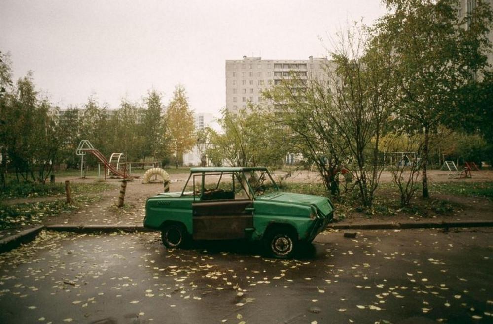 Отчаянные девяностые в объективе французского фотографа Лиз Сарфати 29