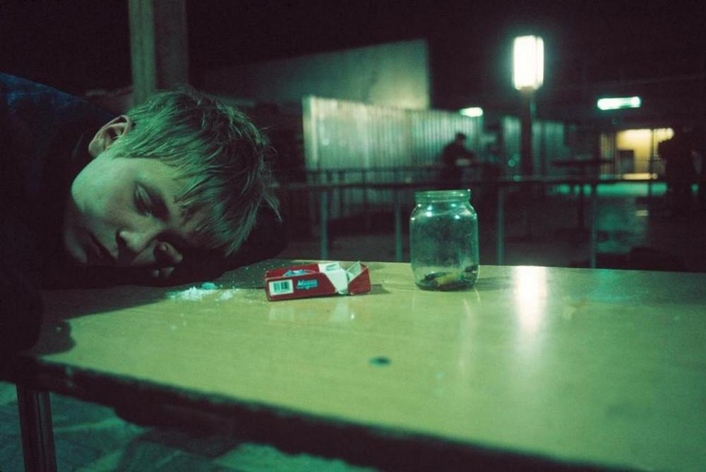 Отчаянные девяностые в объективе французского фотографа Лиз Сарфати 6