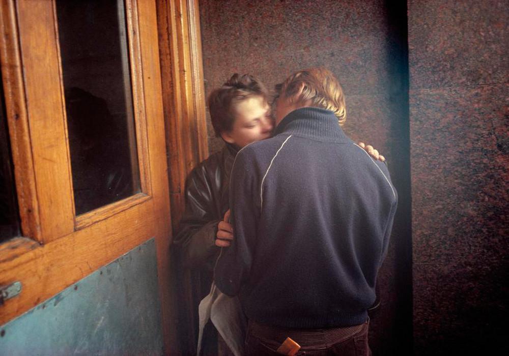 Отчаянные девяностые в объективе французского фотографа Лиз Сарфати 66