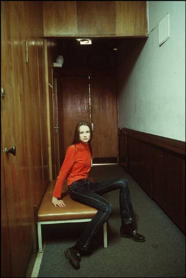 Отчаянные девяностые в объективе французского фотографа Лиз Сарфати 81
