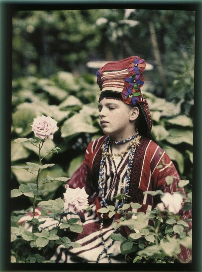 Петр Веденисов, портрет девушки -  - цветная фотография в царской России - цветная фотография в Российской империи