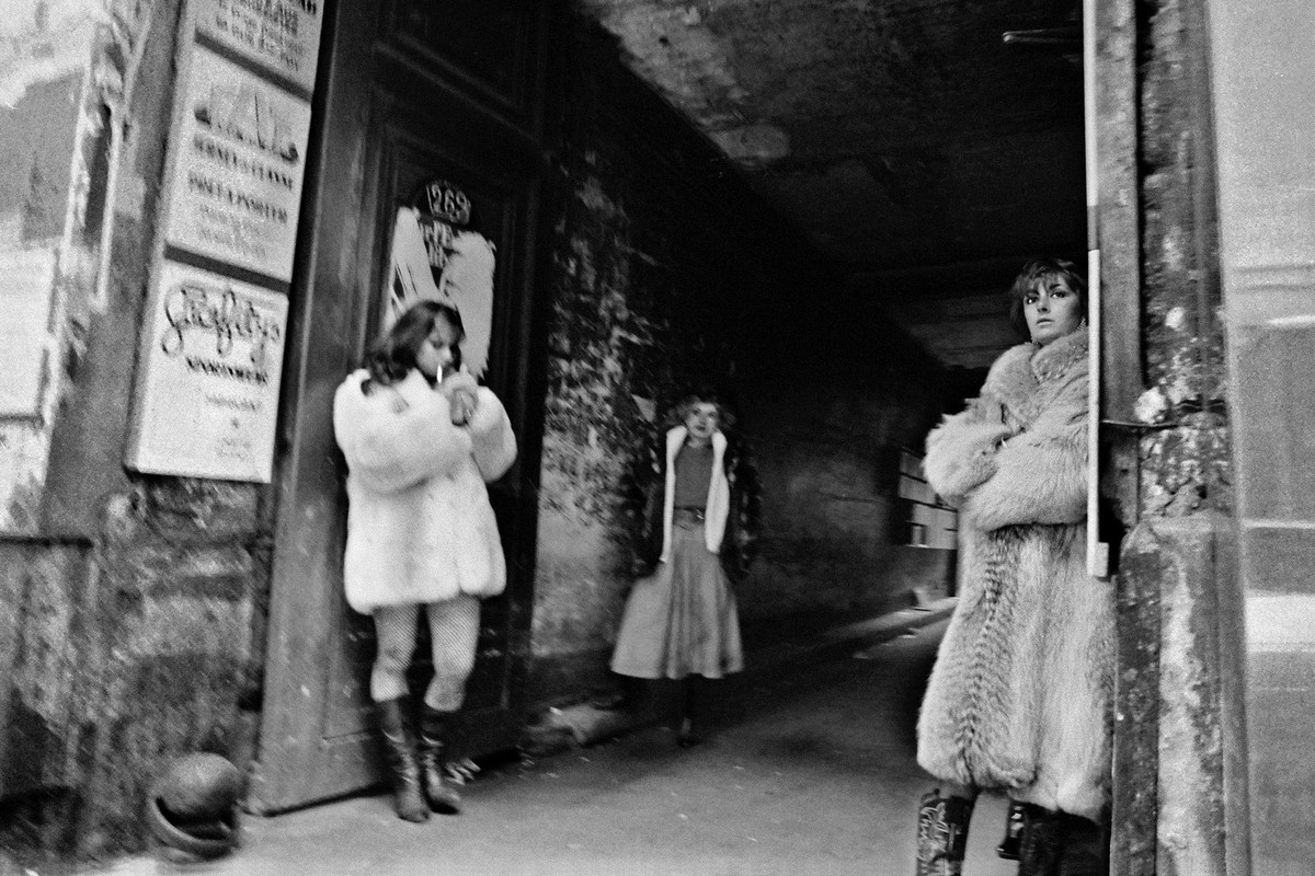 foto-prostitutok-parizha-aziatskie-prostitutki-snyat-individualku-aziatskoy-vneshnosti-v-moskve