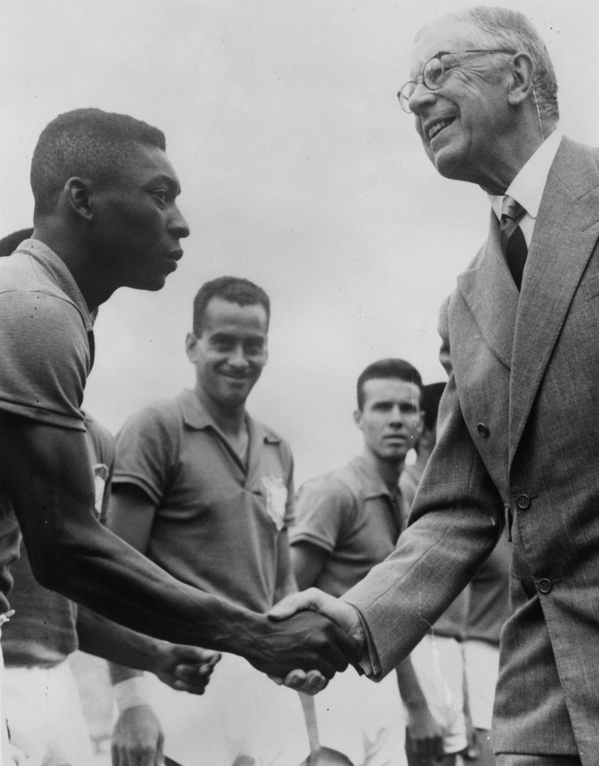 История Короля футбола: как Пеле стал звездой чемпионата мира 12