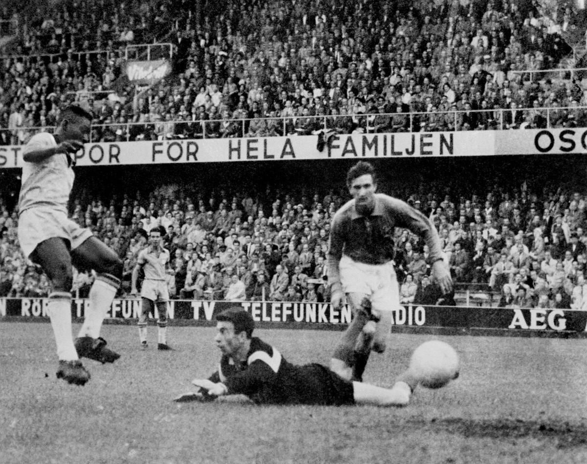 История Короля футбола: как Пеле стал звездой чемпионата мира 8
