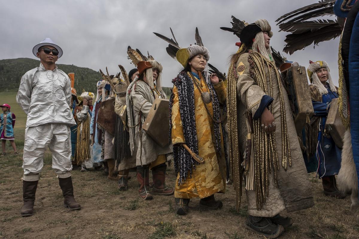 Shamanskie-ritualy-v-Mongolii 11