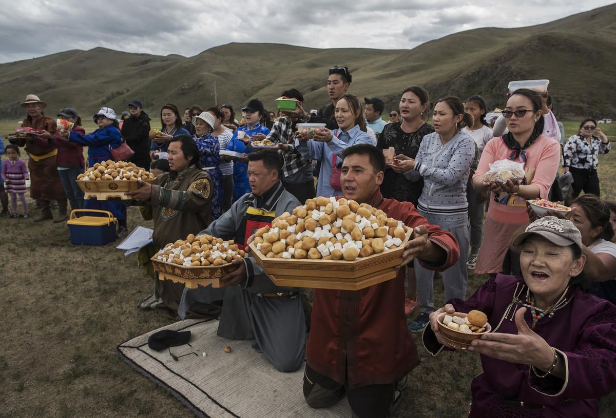 Shamanskie-ritualy-v-Mongolii 3
