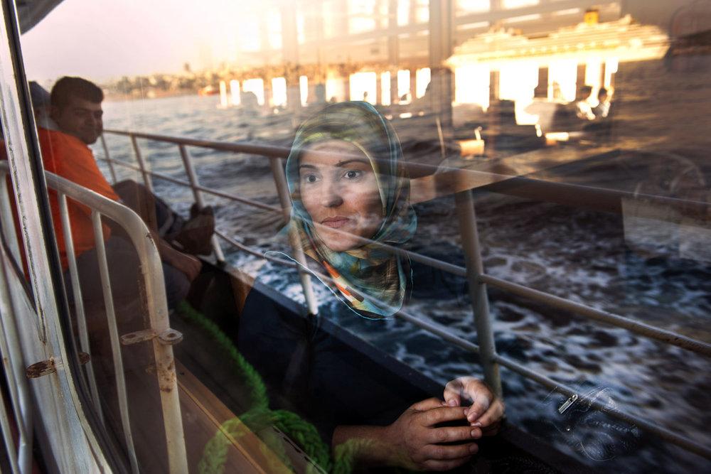 От печали до радости: моменты человеческого бытия в работах фотожурналиста Питера Тёрнли 24