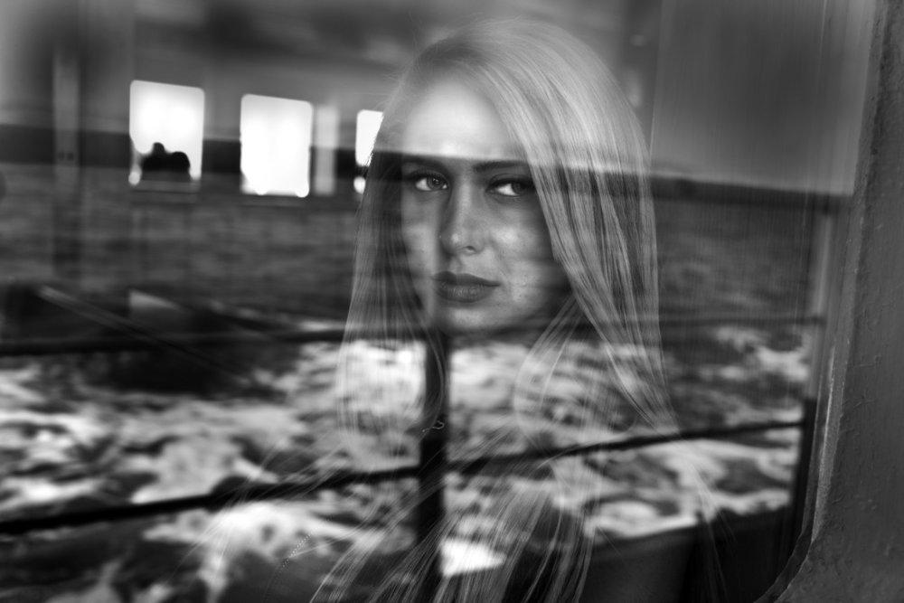 От печали до радости: моменты человеческого бытия в работах фотожурналиста Питера Тёрнли  3
