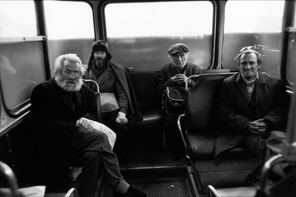 От печали до радости: моменты человеческого бытия в работах фотожурналиста Питера Тёрнли 38