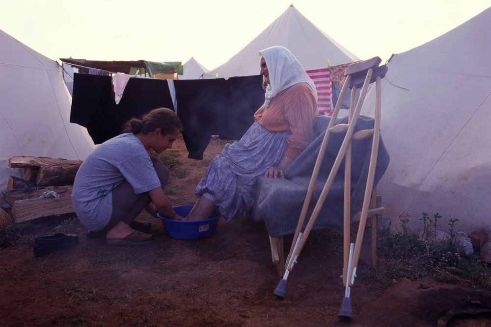 От печали до радости: моменты человеческого бытия в работах фотожурналиста Питера Тёрнли 46