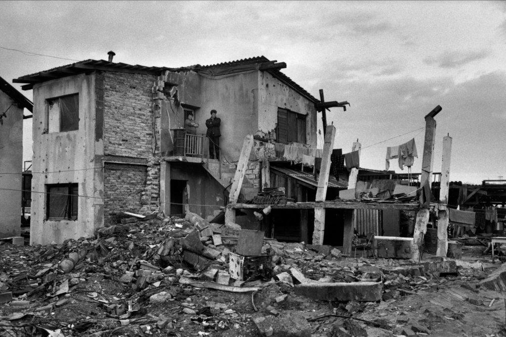 От печали до радости: моменты человеческого бытия в работах фотожурналиста Питера Тёрнли 77