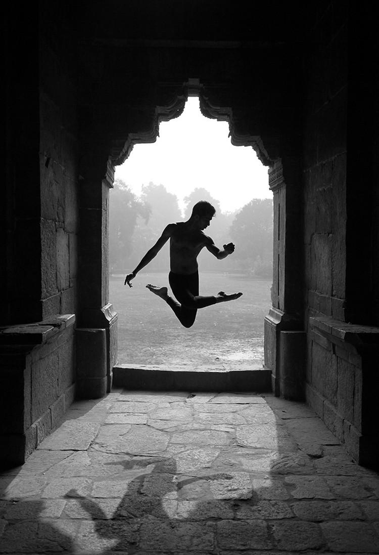 Победители конкурса чёрно-белой фотографии MonoVisions Photography Awards 2018 12